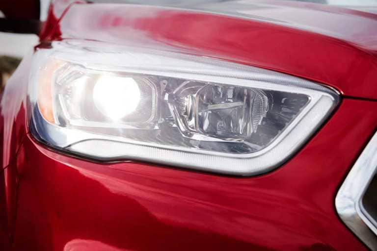 Available Bi-Xenon HID Headlights with Signature Lighting